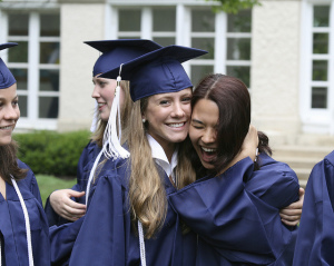 job market for new college grads looking brighter